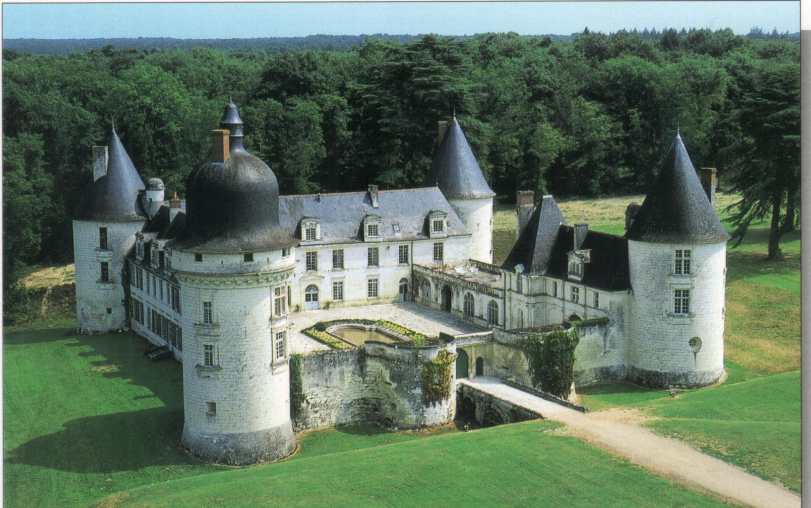 http://renaissance.mrugala.net/Chateaux/France,_Loir-et-Cher,_Monthou-sur-Cher,_Chateau_du_Gue_Pean/Monthou%20sur%20Cher%20-%20Le%20chateau%20du%20Gue%20Pean.jpg