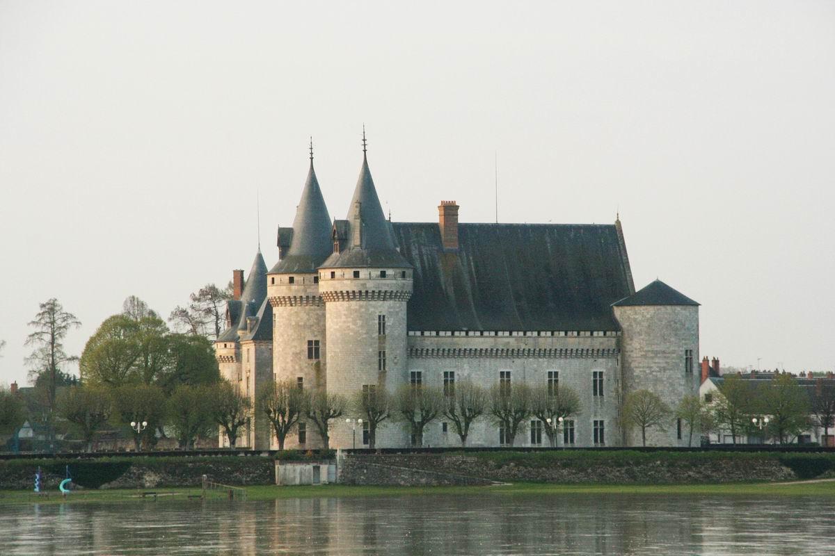 France loiret sully sur loire chateau for Clair logis sully sur loire